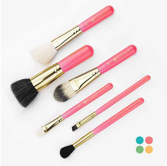 Набор кисточек Neon Pink от BH Cosmetics
